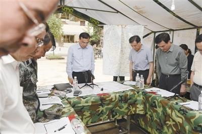 李克强3次称赞鲁甸官员敢提困难讲真话