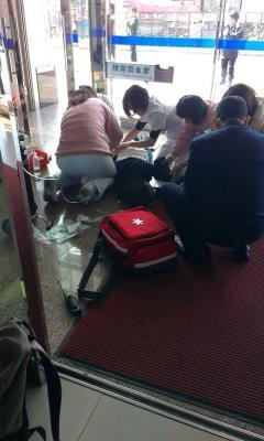 台湾男人机场争夺警枪引发枪战致2伤1死(图)