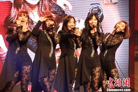韩国美女组合承德劲歌热舞