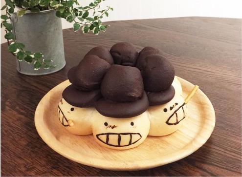 面包均为纯手工制作,主要被烘焙成一些知名动漫人物或可爱小动物的