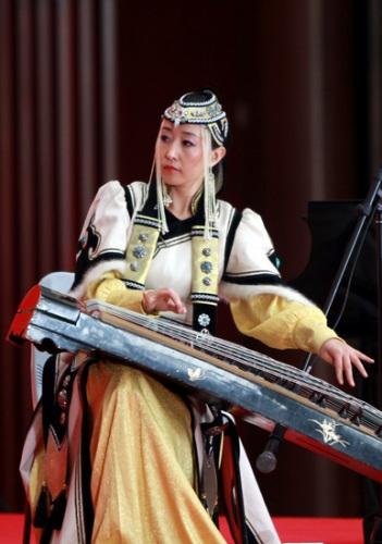 蒙古昨迎国家馆日 马头琴带来草原之声