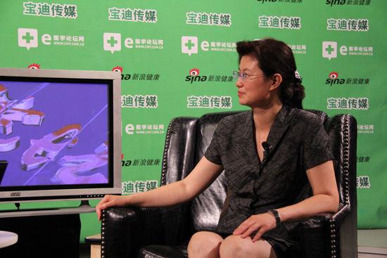 解放军第302医院专家陈国凤谈丙肝防治。