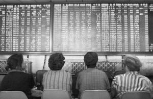 """""""黄金""""来了专家分析股市明天将会怎样?"""