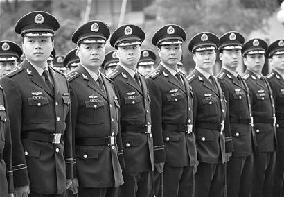 省武警总队换发07式冬装图片