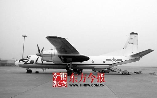 增雨军机冒险飞抵郑州 计划今天飞机就要升空增雨