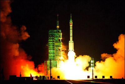 神舟五��-NY��Y�x+_中国运载火箭技术研究院党委书记梁小虹五日在此间披露,承担神舟
