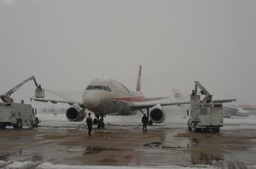 石家庄机场跑道恢复开放大面积航班继续取消