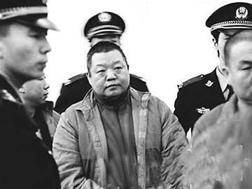 因聚众斗殴被判刑6年的歌手臧天朔将被移送监