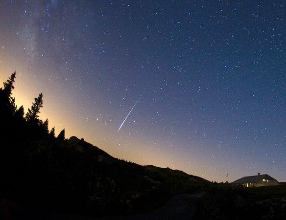 英仙座流星雨如约光临地球
