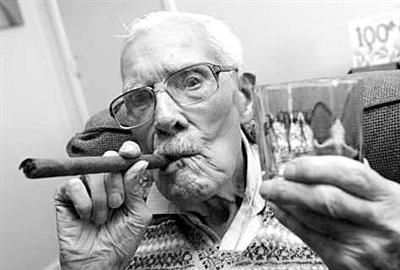 英国最老烟枪100岁
