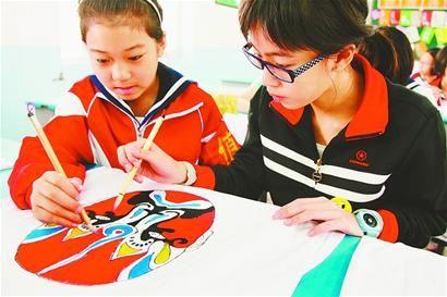 新加坡小学生在济感受传统文化小学正则图片