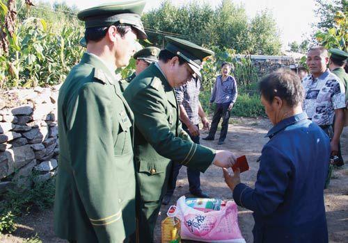内蒙古公安消防总队领导来兴安盟开展帮扶活动