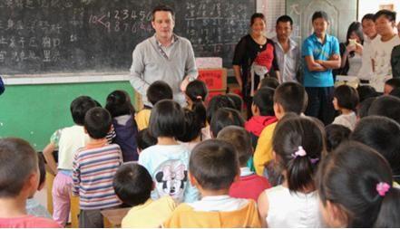 昆明欧文英语培训学校-让公益给企业树立更完