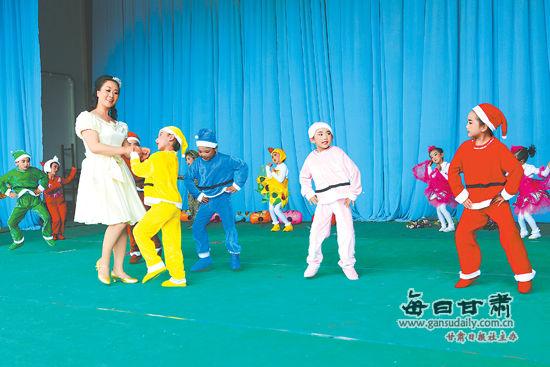 静宁县激发文艺演出开展艺术情趣孩子(图)最大的情趣用品图片