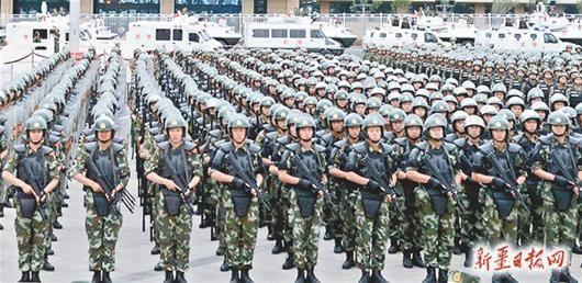 月29日,驻疆武警部队反恐维稳誓师大会在乌鲁木齐举行 《新疆日报图片