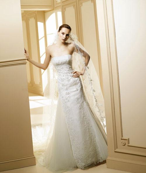 了多少钱,很多婚庆公司都会做一些其它的附加产业,比如卖婚纱&hellip