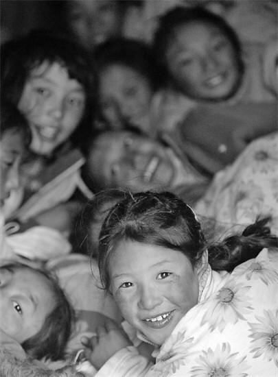 玉树一所福利院震后耸立不倒105名儿童未受伤