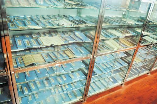 男子收藏古葯書手抄本5000多冊 記載20萬個秘方