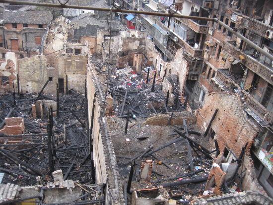 火灾发生后的废墟。戴炜亚