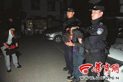 被警方抓获的28岁的嫌疑人孙某 华商报记者 赵彬 摄
