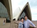 2011年3月与夫人在澳大利亚悉尼歌剧院