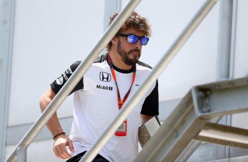 图文-F1马来站第3次练习 迈凯轮车队阿隆索