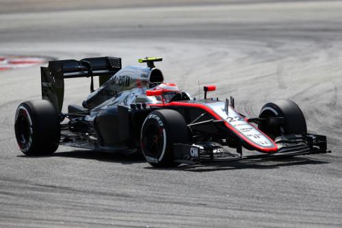 图文-F1马来西亚站正式比赛 迈凯轮车队巴顿
