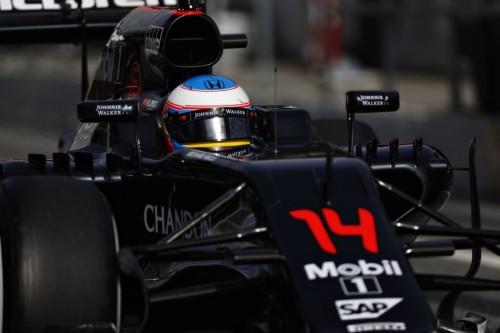 图文-F1季前试车第四日(02.25) 迈凯轮车队阿隆索