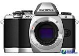 奥林巴斯E-M10 相机外观