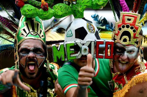 高清图-克罗地亚墨西哥球迷集锦