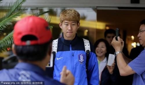 高清图-韩国队离开酒店前往圣保罗