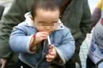 幼童抽烟令人忧心