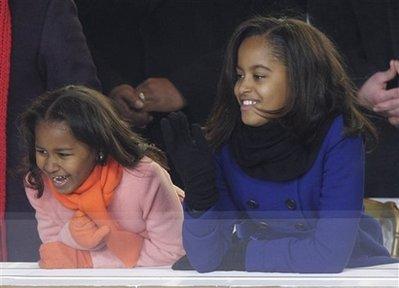 奥巴马女儿着装受追捧致商家网页瘫痪(组图)