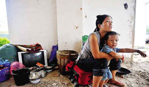 中缅边境果敢战乱 数万难民涌入中国
