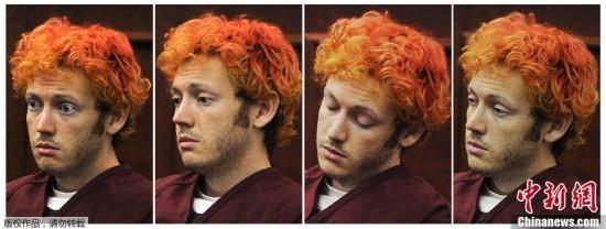 当地时间7月23日,美国科罗拉多,科罗拉多州枪击案嫌犯詹姆斯・霍尔姆斯James Holmes首度出庭受审,引发美国各界广泛关注。(拼接图片)