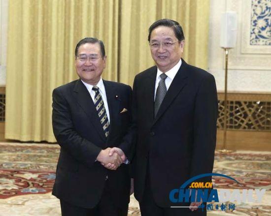 民大会堂会见以野田毅会长为团长的日本自民党亚非问题研究会代表图片