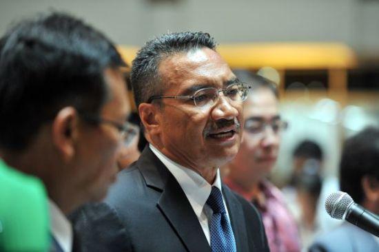 马来西亚国防部长希山慕丁・侯赛因。