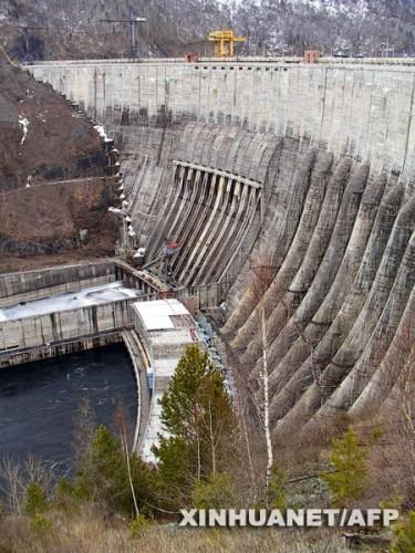 俄最大水电站事故致18人死伤54人失踪