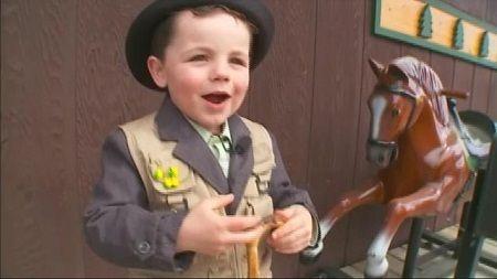 年仅4岁的镇长罗伯特吠夫斯罗
