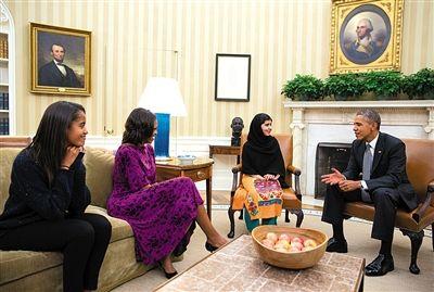 2013年11月,奥巴马夫妇会见马拉拉。