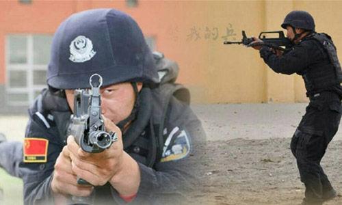 """针对目前新疆暴恐多发现象,马飞认为,最好的处理办法就是""""进攻""""。"""