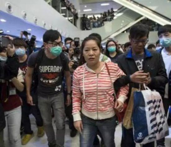 21世纪的香港,朗朗乾坤,如此野蛮,这是维护香港还是抹黑香港?