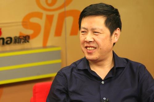 哈尔滨工业大学招生就业处处长慕永国做客新浪谈09高招新政