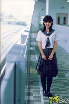 日本女生独爱校服:美少女的制服诱惑图