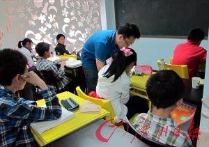 在家长们眼中,重点班、好老师一个不能少。