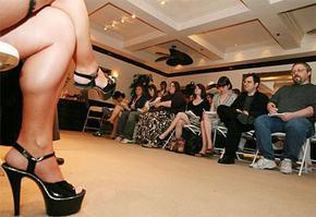Randolph学院文科生参观妓院作为美国文化研究学习的一部分。