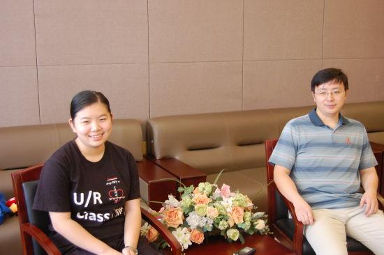 北京市理科状元与班主任合影