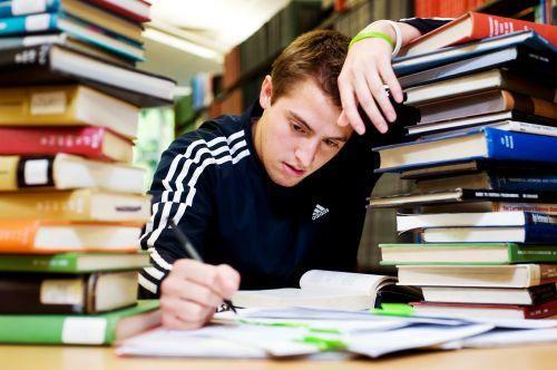 美国之学生累得像条狗的大学排名