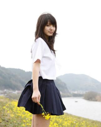 学生妹的嫩bb图_日本制服学生妹清新纯美迷晕宅男(图)