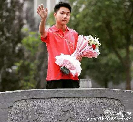 照片选自襄阳晚报微博。